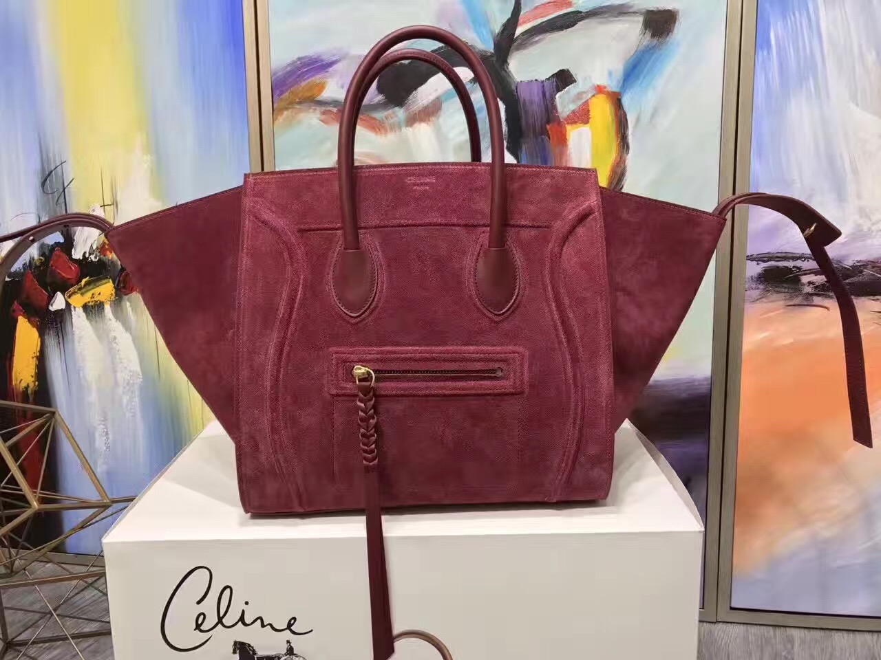The Best Celine Luggage Phantom Replica Handbags Online Store fc8a7355011f1