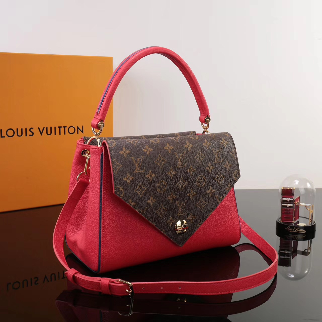 Lv Louis Vuitton Monogram Double V